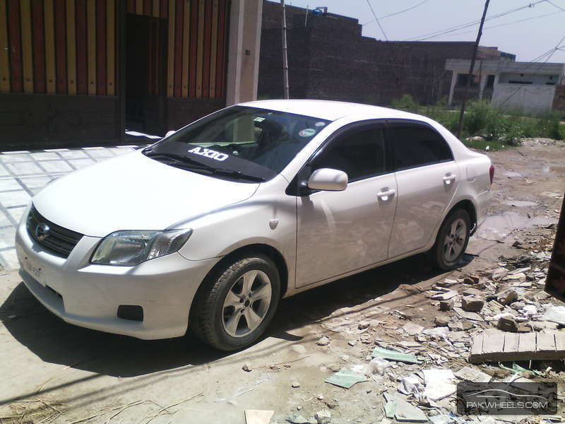 used toyota corolla axio 1 5 x 2007 car for sale in peshawar 1152013 pakwheels. Black Bedroom Furniture Sets. Home Design Ideas