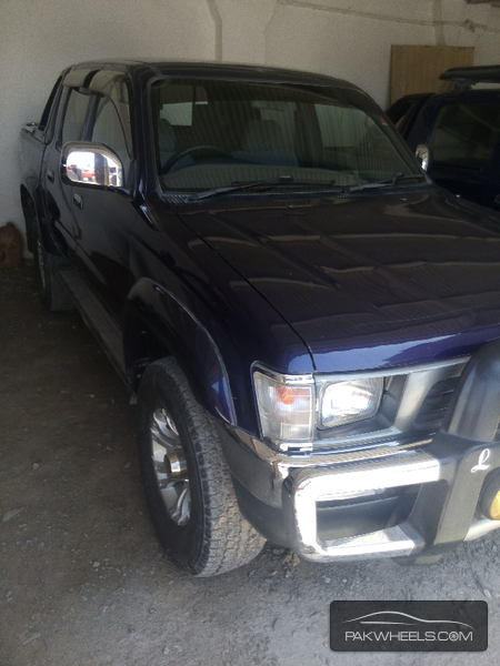Toyota Hilux 2000 Image-3