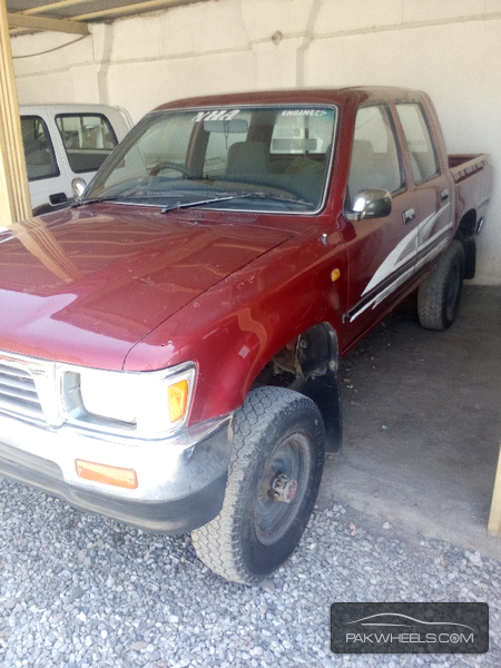 Toyota Hilux Double Cab 1992 Image-2