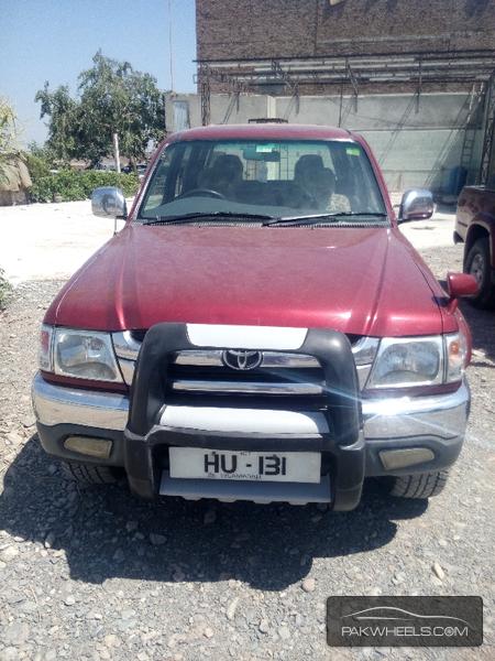 Toyota Hilux D-4D 2002 Image-1