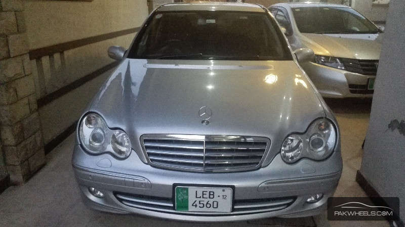 Used mercedes benz c class c200 2006 car for sale in for Mercedes benz c class 2006 for sale