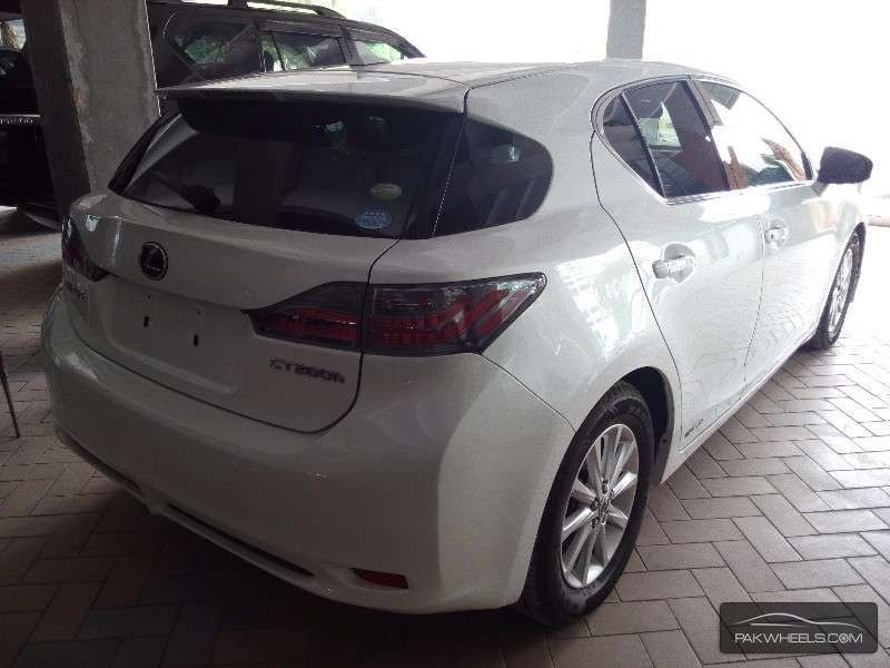 used lexus ct 200h 2012 car for sale in karachi 1182017