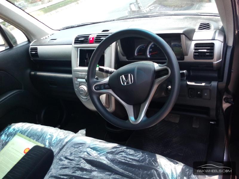 Honda Zest Spark 2011 Image-4