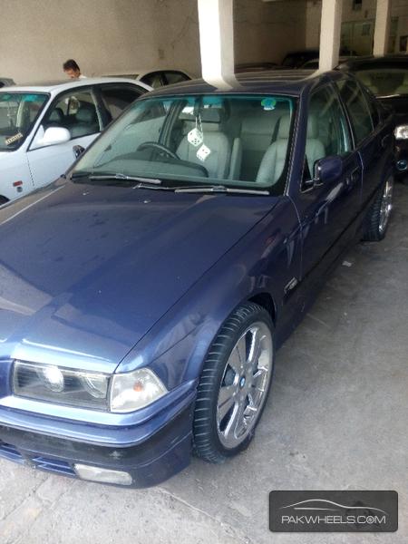 BMW 3 Series 318i 1997 Image-2