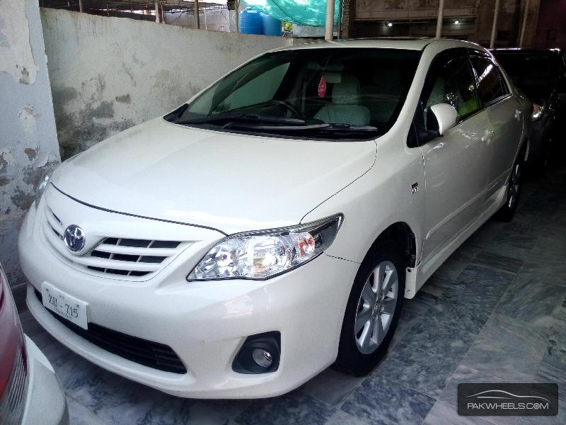 Toyota Corolla Altis 1.6 2013 Image-1