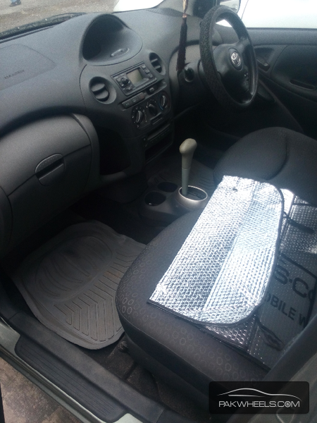 Toyota Yaris 2003 Image-6