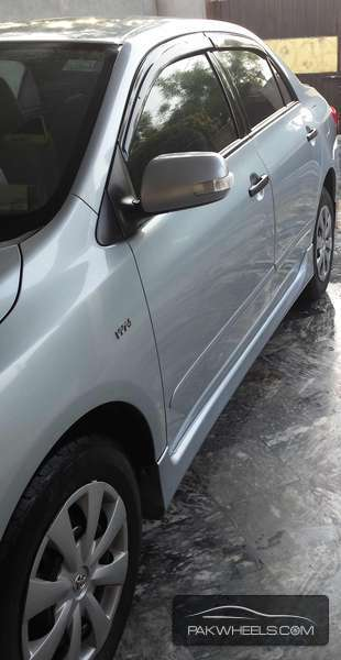 Toyota Corolla XLi VVTi Limited Edition 2013 Image-2