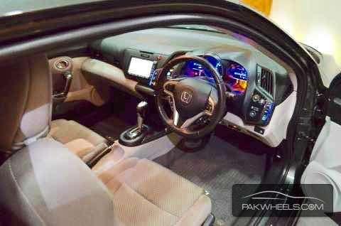 Honda CR-Z Sports Hybrid 2010 Image-3