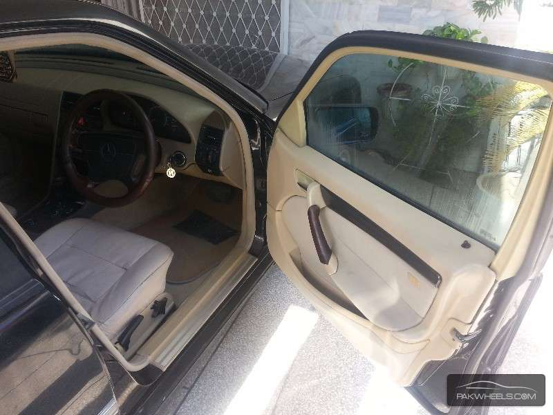 Mercedes Benz C Class C180 1997 Image-4