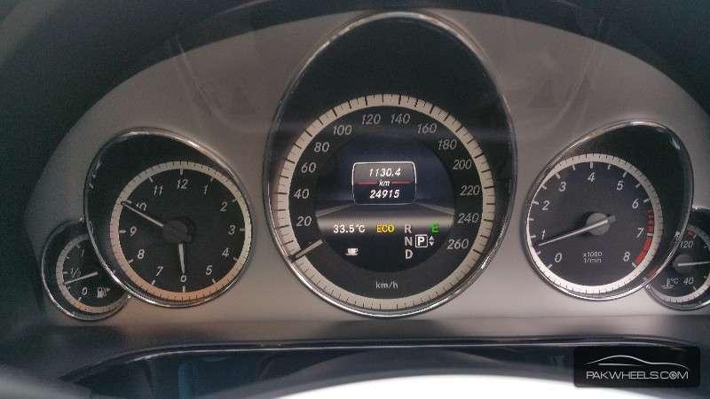 Mercedes Benz E Class E200 2013 Image-8