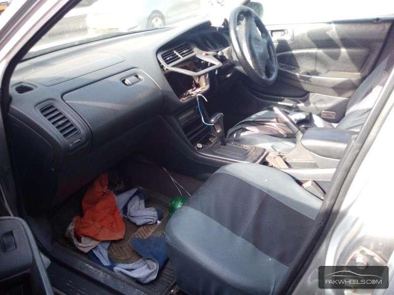 Honda Accord 2002 Image-5