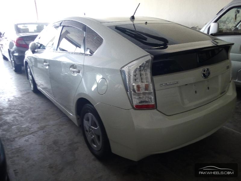 Toyota Prius G 1.5 2010 Image-5