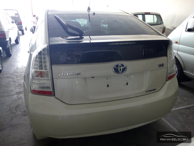 Toyota Prius G 1.5 2010 Image-6