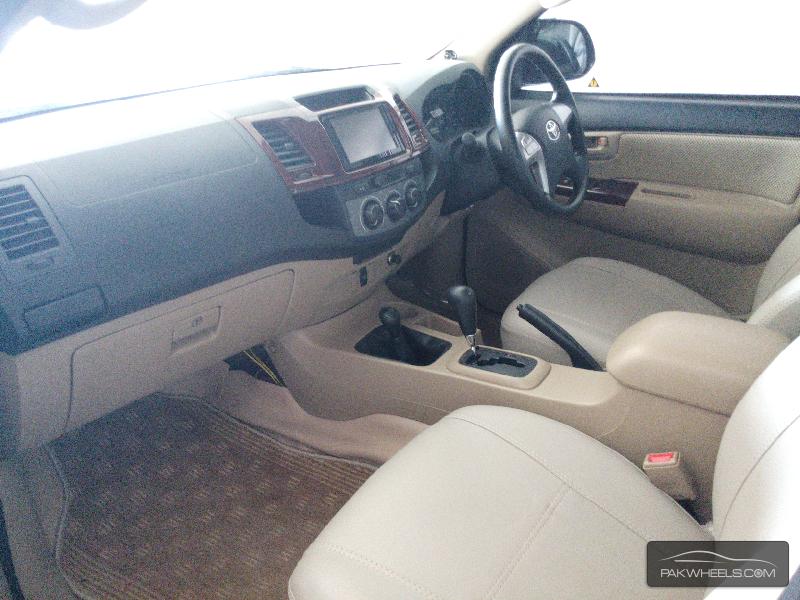 Toyota Hilux Vigo Champ G 2014 Image-3