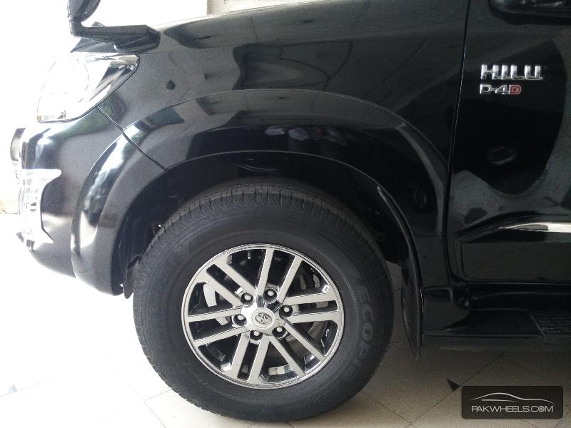 Toyota Hilux Vigo Champ G 2014 Image-9