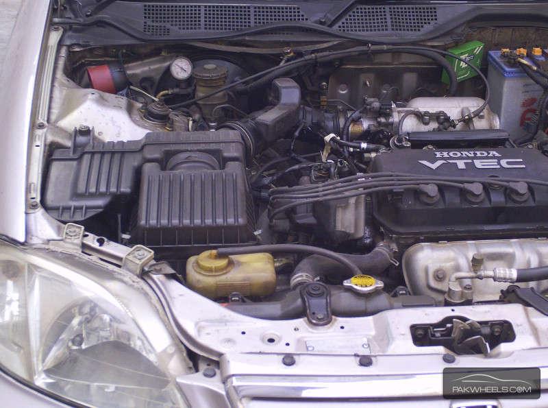 Honda Civic VTi Automatic 1.6 1999 Image-9