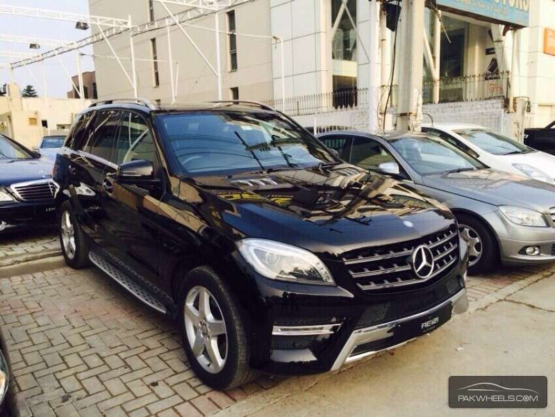 mercedes benz m class ml 350 2013 for sale in islamabad pakwheels. Black Bedroom Furniture Sets. Home Design Ideas