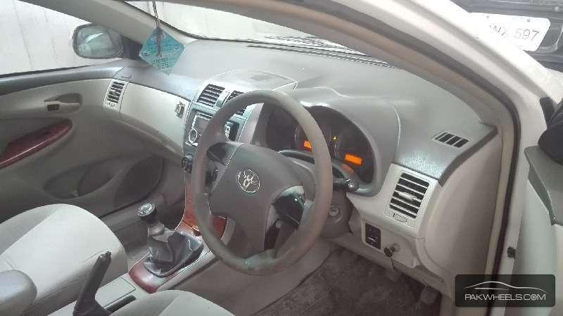 Toyota Corolla Altis 1.8 2010 Image-6