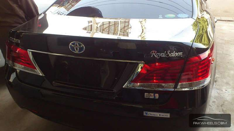 Toyota Crown Royal Saloon 2013 Image-7