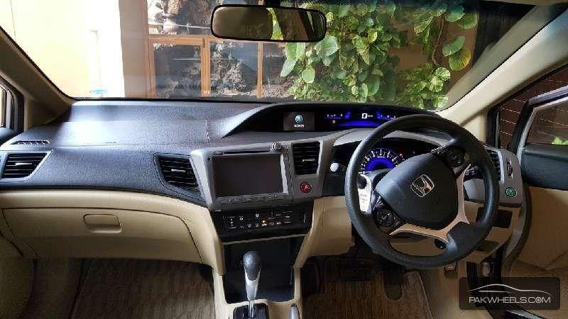 Honda Civic VTi Oriel Prosmatec 1.8 i-VTEC 2014 Image-9