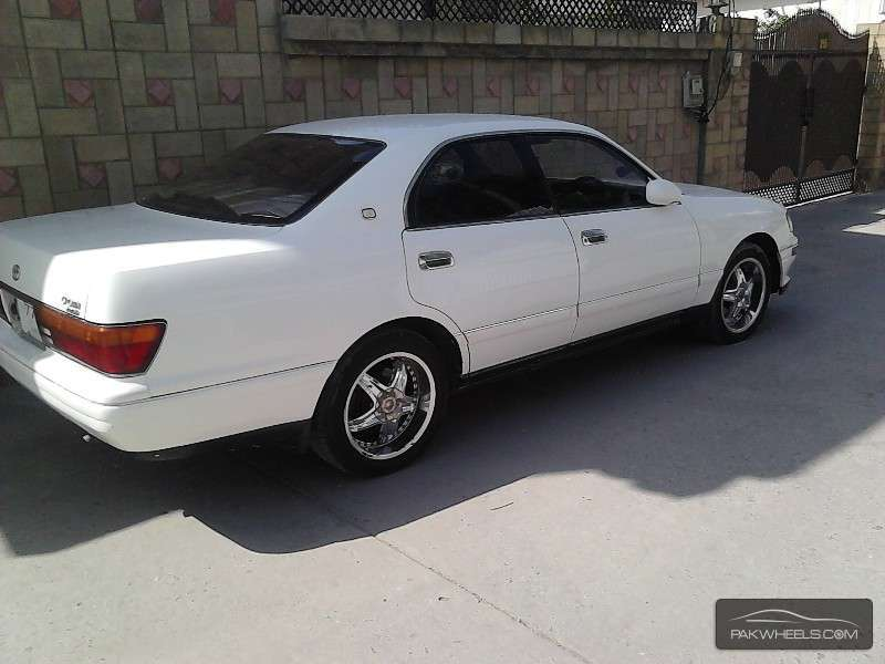 Toyota Crown Royal Saloon 1995 Image-1