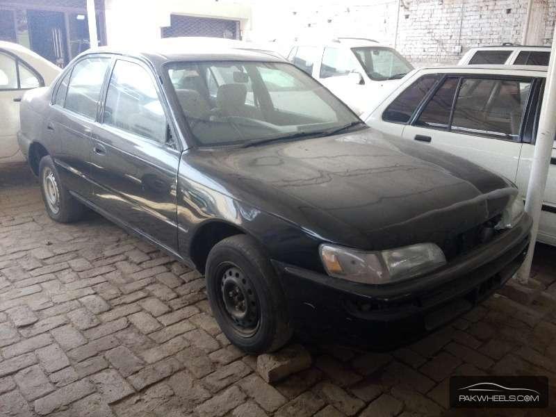 Toyota Corolla XE Limited 2000 Image-2