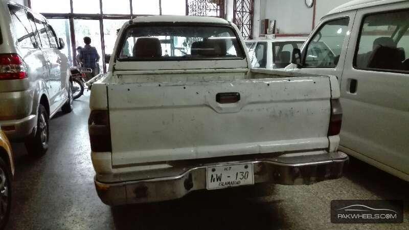 Mitsubishi Hiace 2005 Image-5