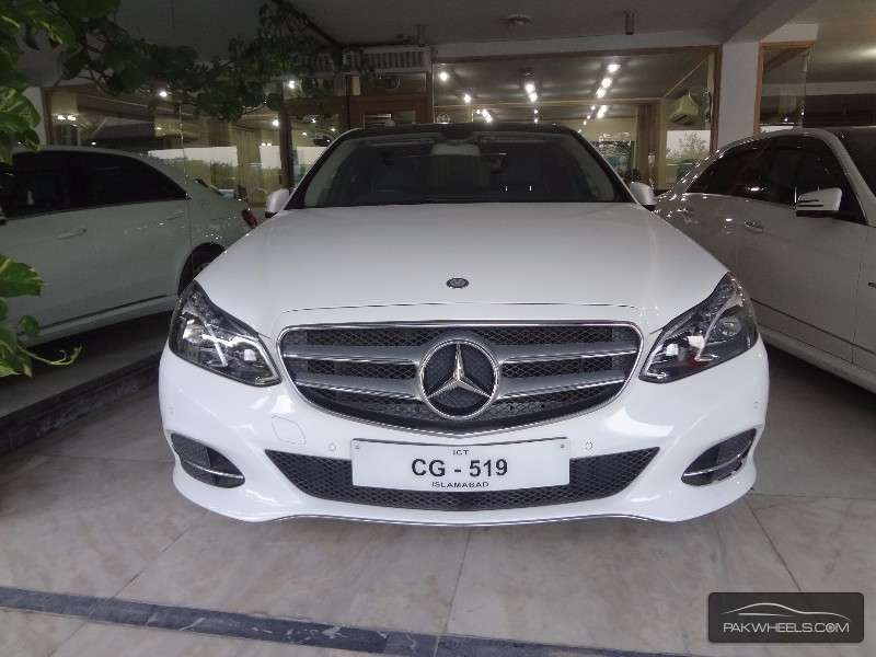 mercedes benz e class e200 2014 for sale in islamabad pakwheels. Black Bedroom Furniture Sets. Home Design Ideas