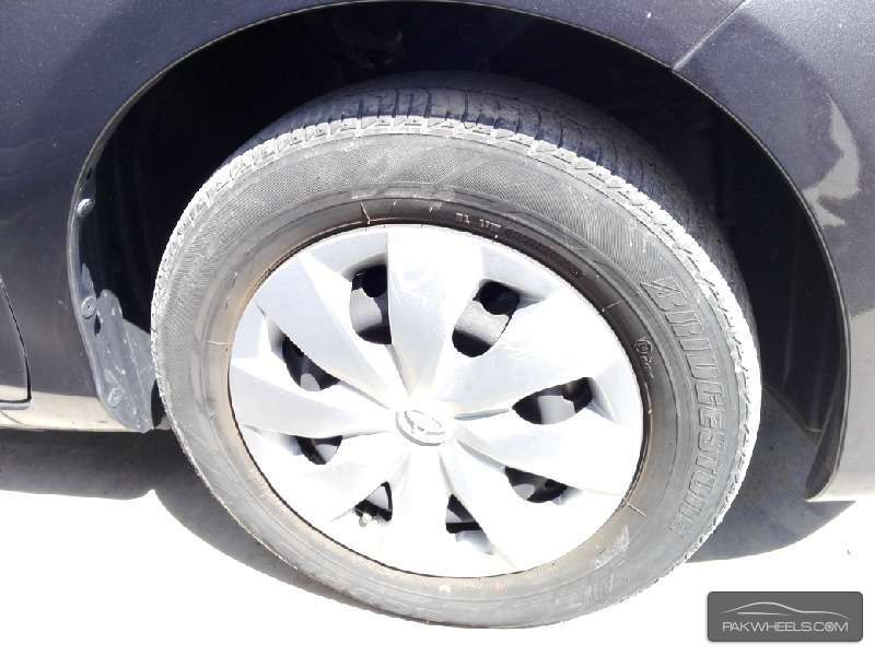 Toyota Vitz F Smile Edition 1.0 2012 Image-3