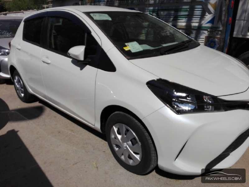 Toyota Vitz FL 1.0 2014 Image-2