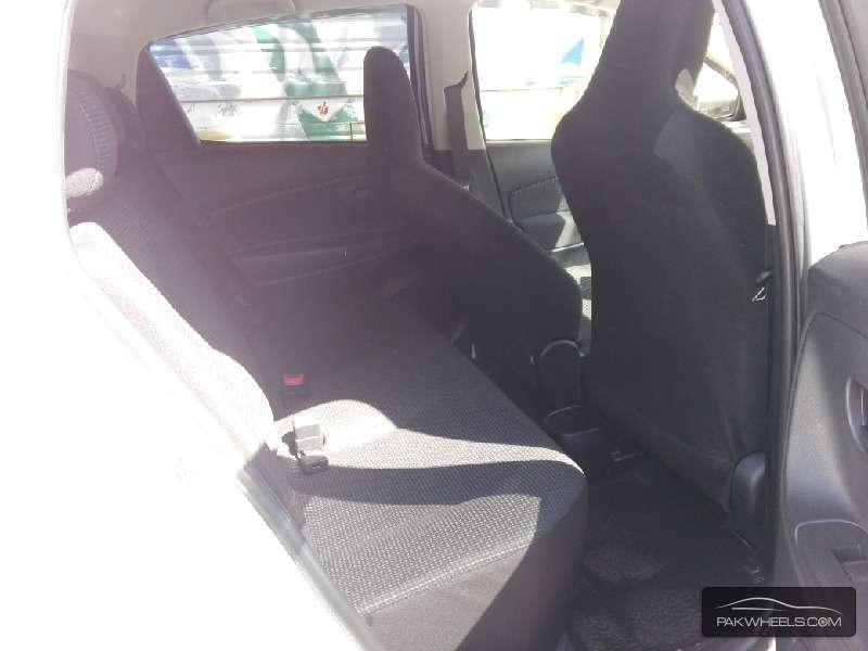 Toyota Vitz FL 1.0 2014 Image-6