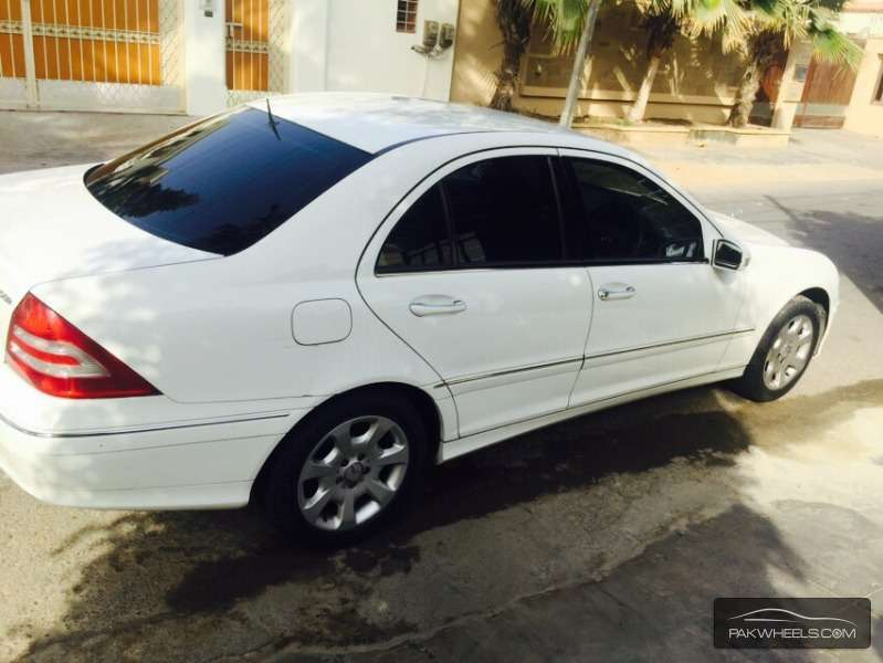 Mercedes benz c class c200 2006 for sale in islamabad for Mercedes benz c class 2006 for sale