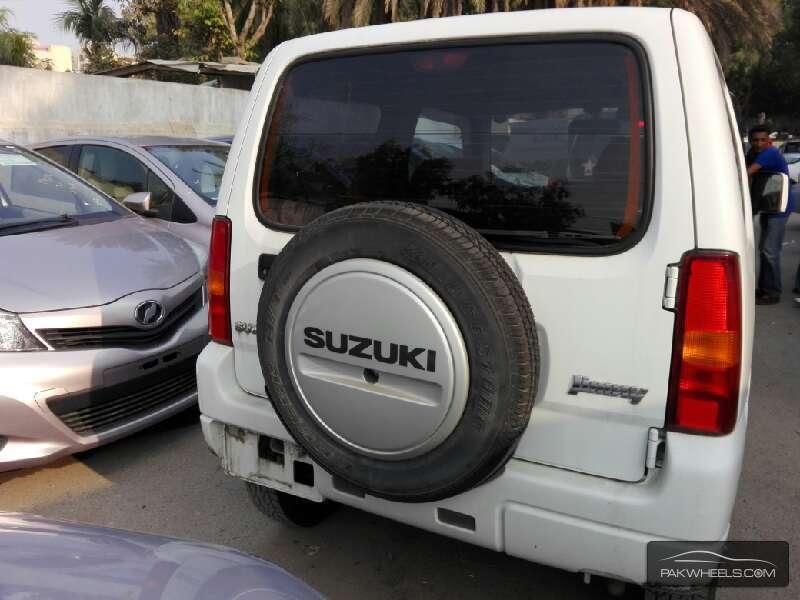 Suzuki Jimny JLSX 2013 Image-7