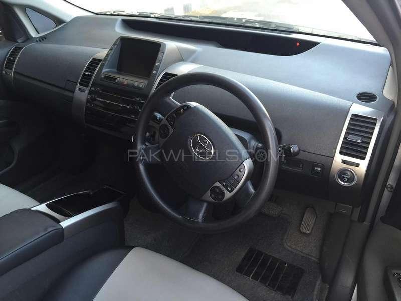 Toyota Prius S 1.5 2010 Image-6