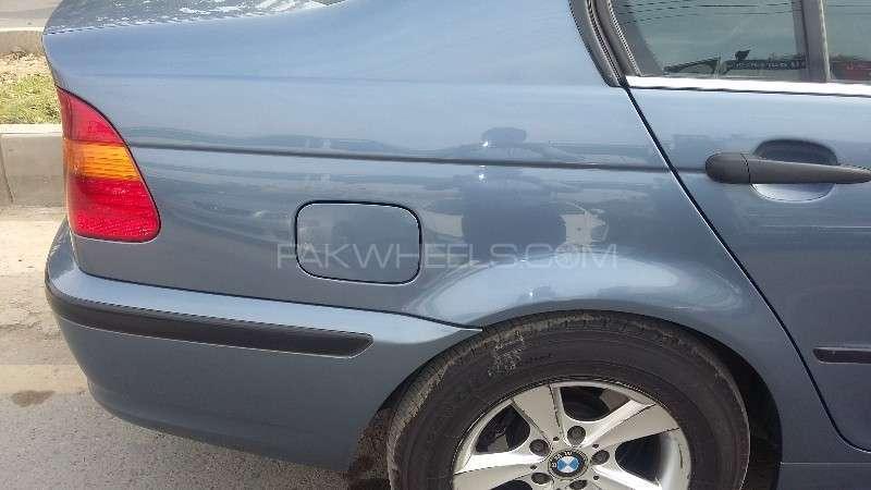 BMW 3 Series 316i 2004 Image-10