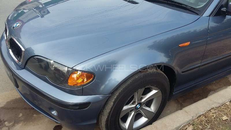 BMW 3 Series 316i 2004 Image-7