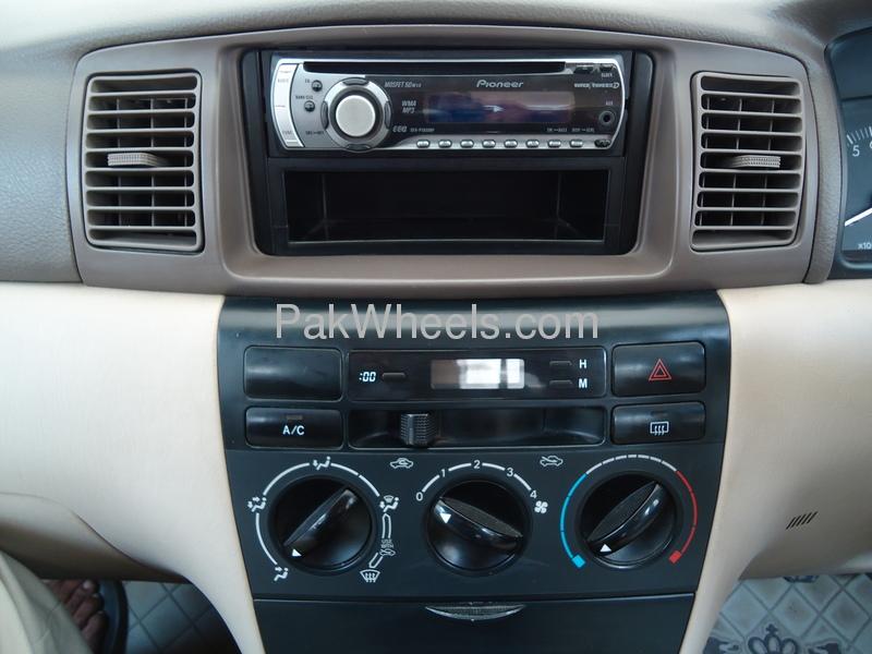 Toyota Corolla GLi 1.3 VVTi 2005 Image-2