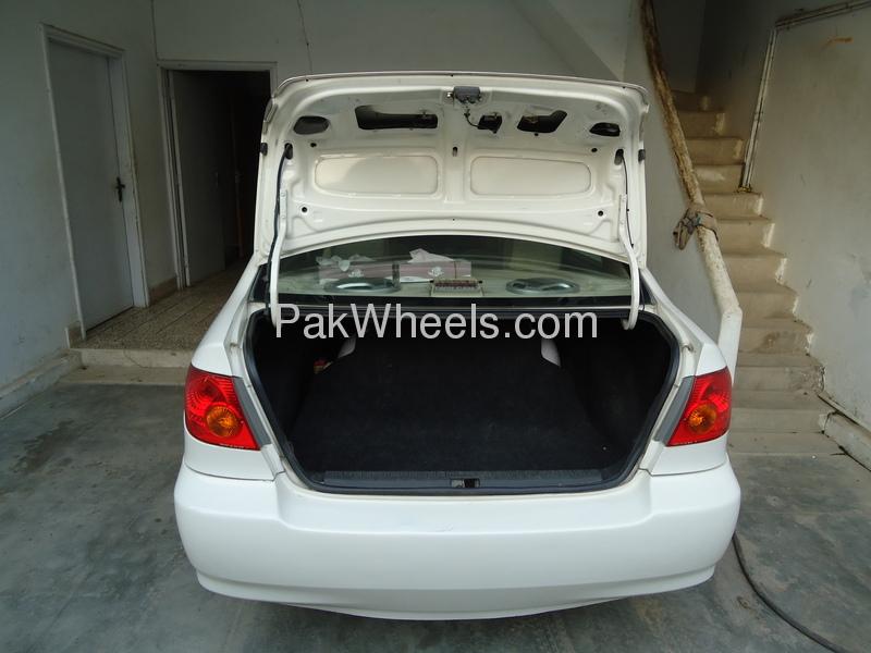 Toyota Corolla GLi 1.3 VVTi 2005 Image-4