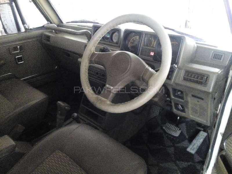 Mitsubishi Pajero Exceed 2.4 1998 Image-2