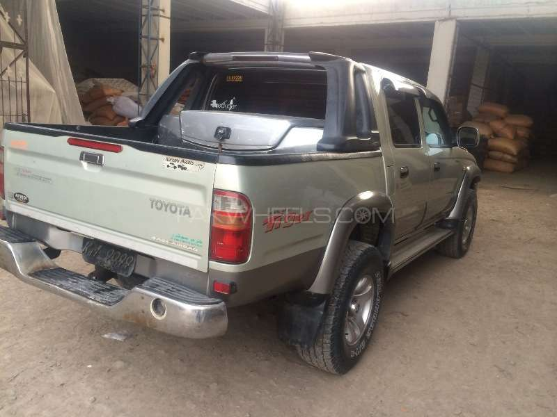 Toyota Hilux Double Cab 2003 Image-3