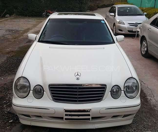 Used mercedes benz e class e320 2002 car for sale in for Used mercedes benz e class for sale