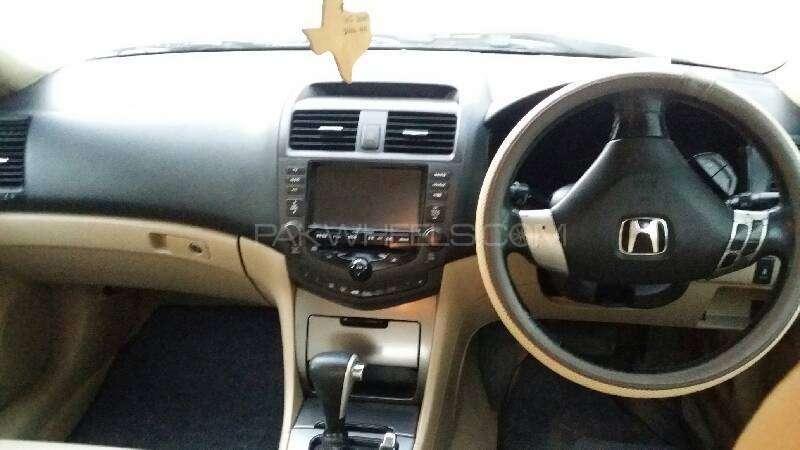 Honda Accord CL9 2004 Image-2