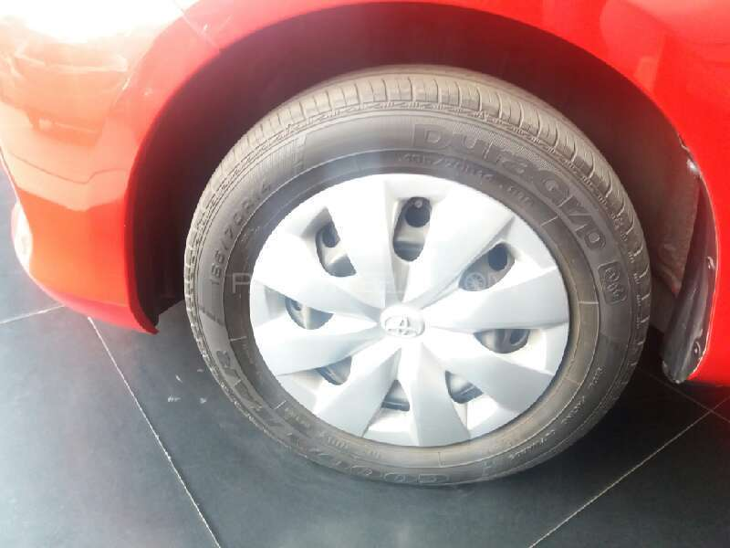 Toyota Vitz 2013 Image-14