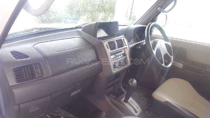 Mitsubishi Pajero 2001 Image-6