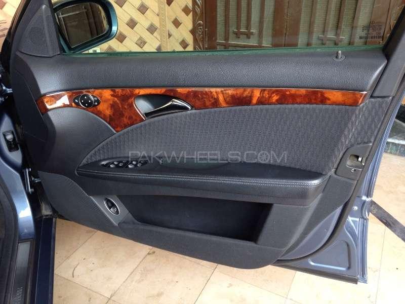 Mercedes Benz E Class E200 2003 Image-14