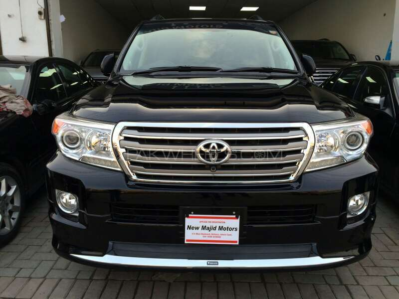 toyota land cruiser ax 2012 for sale in lahore pakwheels. Black Bedroom Furniture Sets. Home Design Ideas