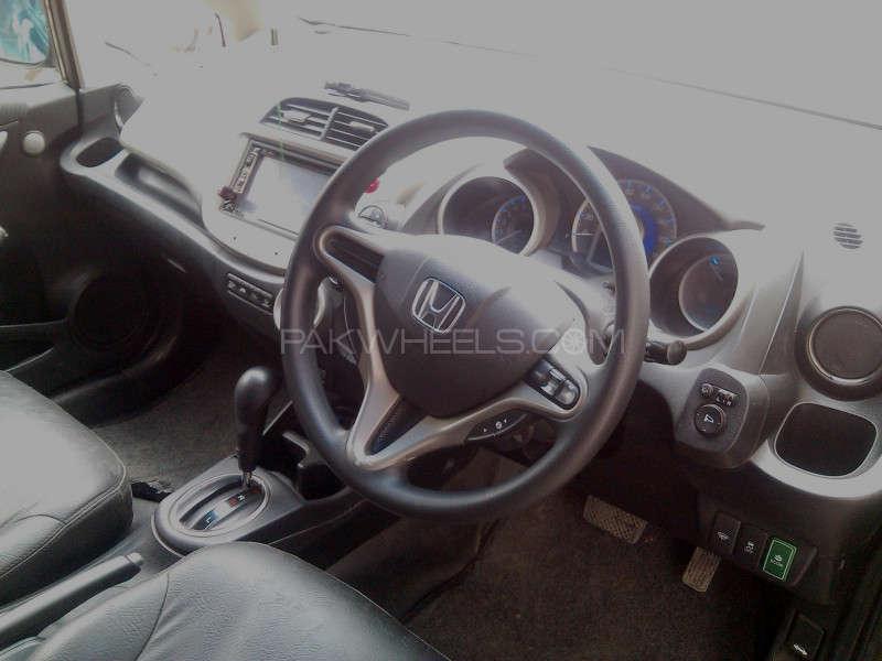 Honda Fit 2011 Image-2