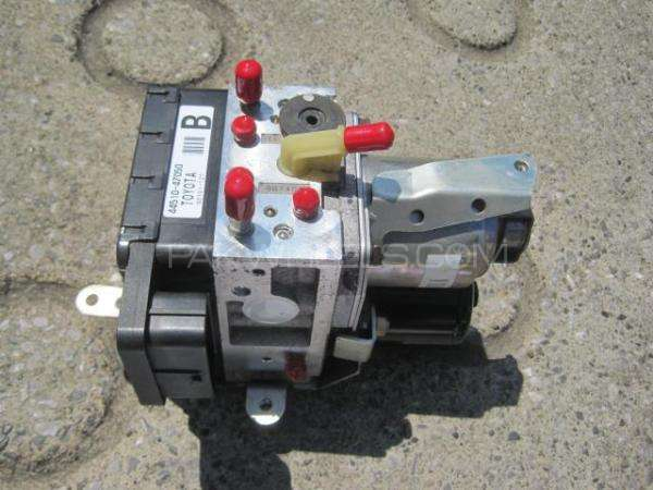 toyota prius 1500cc abs  Image-1