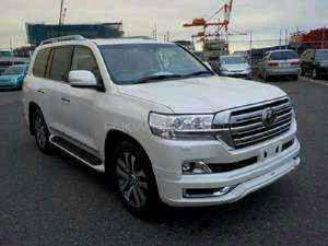 Toyota Land Cruiser - 2015