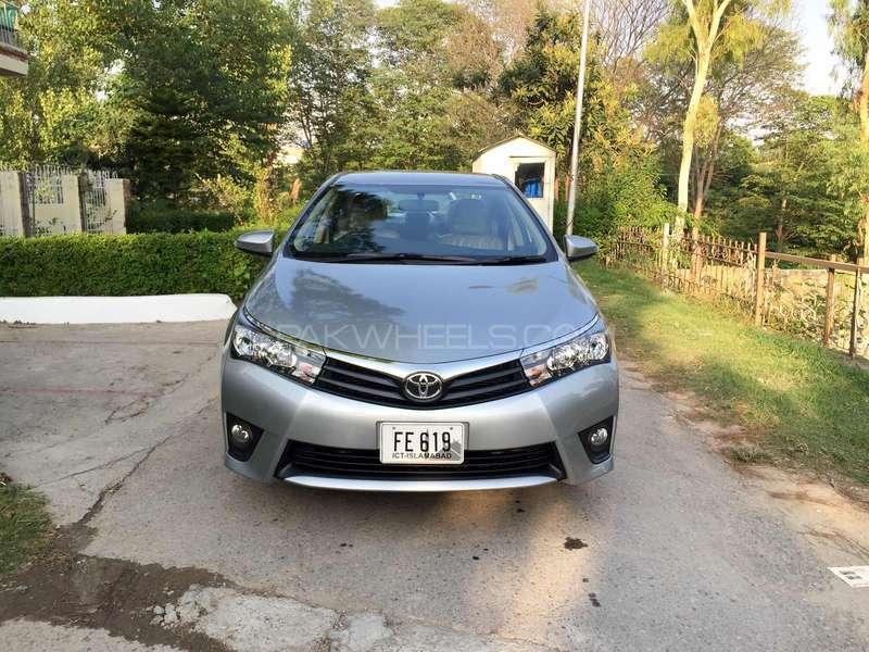 Toyota Corolla - 2015 silver line Image-1